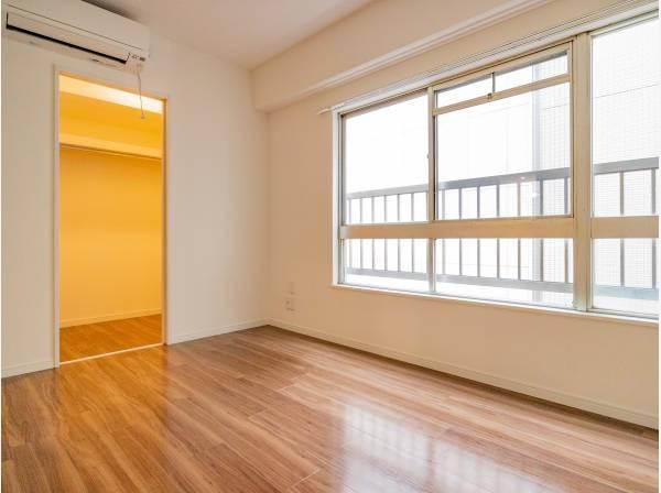 角部屋なので採光・通風に優れた爽やかな室内空間です。