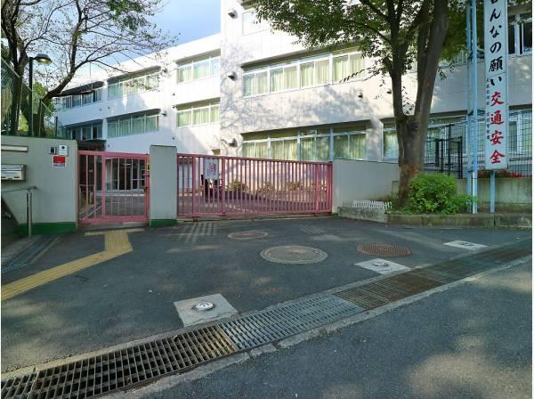 川崎市立犬蔵小学校まで 約750m